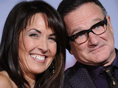 Robin Williams y Susan Schneider en el estreno mundial de 'Papás a la fuerza' en noviembre de 2009.