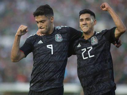 Jiménez y Antuna celebran sus goles.