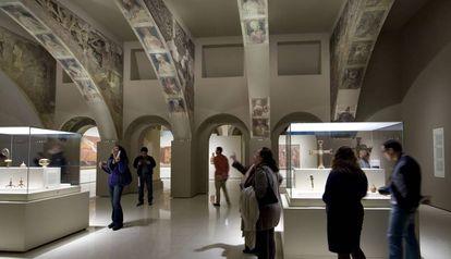 Las pinturas de la sala capitular de Sijena, como se exponen en el MNAC.