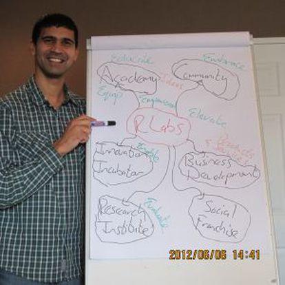 Marlon Parker uso su conocimiento y reunió los recursos para atender a 14 jóvenes desfavorecidos.
