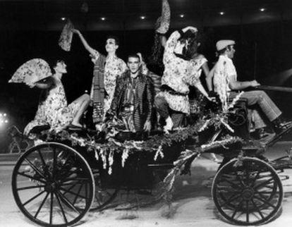 El valenciano Francis Montesinos hizo un desfile en Las Ventas en 1985.