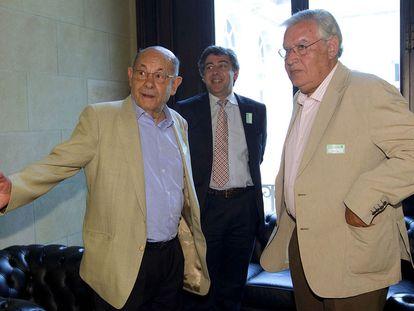 Fèlix Millet, el abogado Jordi Pina y Jordi Montull, en diciembre pasado en el Parlamento de Cataluña.