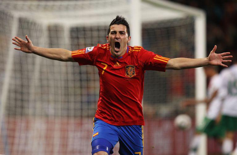 David Villa celebra el gol contra Portugal en los octavos del Mundial de 2010.