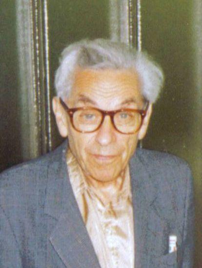 Paul Erdős en un seminario de estudiantes en Budapest, en 1992.