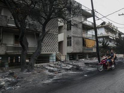 La oposición culpa al Gobierno por la gestión de la tragedia que ha dejado al menos 86 muertos