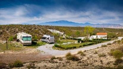 Camping 'Cuevas Andalucía', en Baza (Granada)
