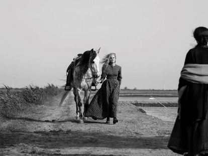 Fotograma de 'Elisa y Marcela'. En vídeo: Tráiler de la película.