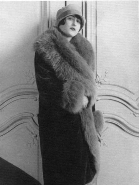 Umm-El-Banine Assadoulaeff, que firmó sus libros como Banine, en los años 20, en París.