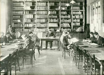 Imagen de la biblioteca de ESCP Europe en torno a 1910.