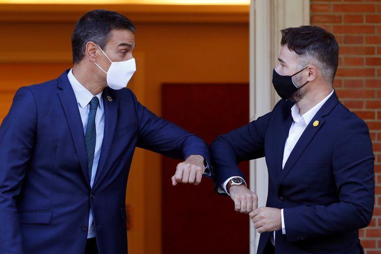 Pedro Sánchez con Gabriel Rufián el pasado jueves en el Palacio en La Moncloa.