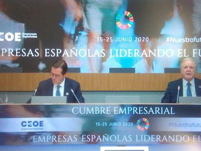 El presidente de la Confederación Nacional de la Construcción (CNC), Juan Francisco Lazcano, en su intervención en la cumbre empresarial de la CEOE, este jueves.