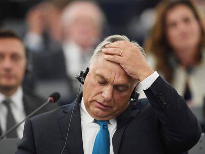 El primer ministro húngaro, Viktor Orban, en el debate del martes en el Parlamento Europeo. (FREDERICK FLORIN / AFP)