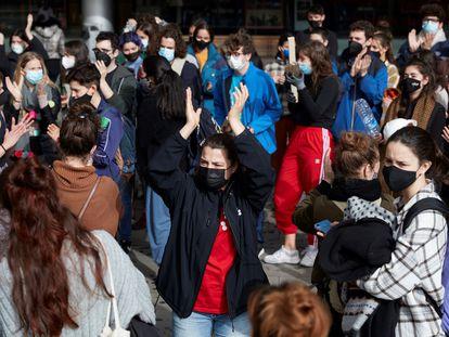 Alumnos y profesionales se manifiestan contra los abusos en el Institut del Teatre