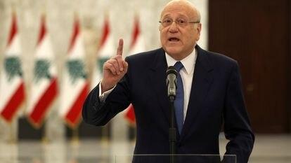 El primer ministro libanés, Najib Mikati, comparece ante la prensa, el viernes en Beirut.