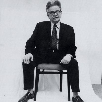 Elias Canetti (1905-1994), premio Nobel de Literatura en 1981, en una imagen de 1972.  <i>Imágenes de una vida.</i>