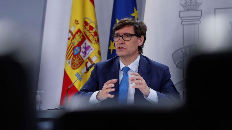 El ministro de Sanidad, Salvador Illa, en la rueda de prensa este jueves en el Palacio de La Moncloa, en Madrid.