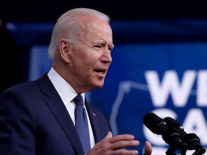 El presidente Joe Biden, este martes en la Casa Blanca mientras abordaba ante la prensa el avance de la vacunación en Estados Unidos.