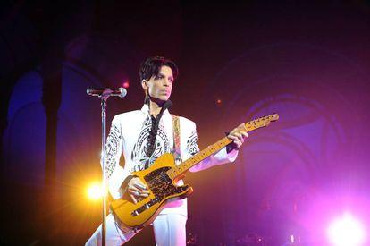 Prince en un concierto en Francia.