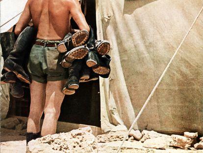 Una referencia para el nuevo estilo: el reparador de botas del Afrika Corps.