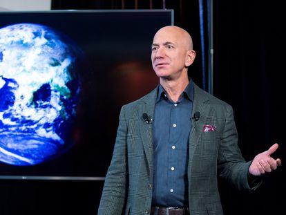El magnate estadounidense Jeff Bezos, fundador de Amazon y de Blue Origin, la empresa dueña de 'New Shepard', la nave con la que viajará al espacio con turistas en julio.