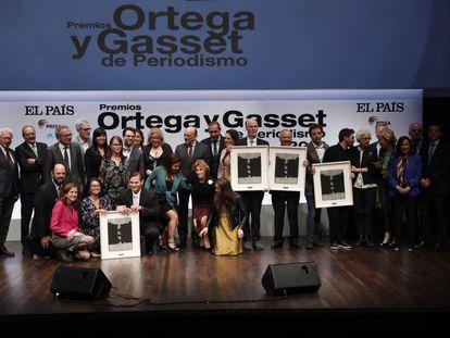 Foto de familia de los galardonados con el Premio Ortega y Gasset de Periodismo 2019.