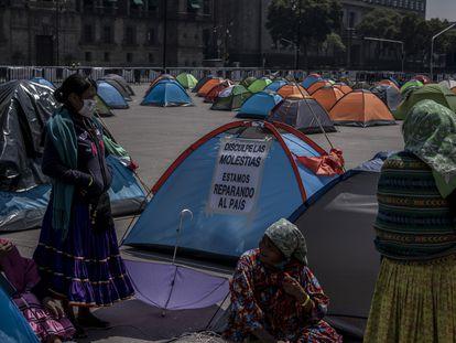 El campamento de FRENA instalado en el Zócalo de Ciudad de México, en octubre.