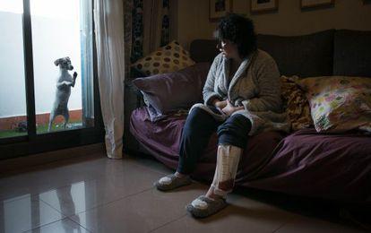 Lucía, en su casa de L'Hospitalet de Llobregat.
