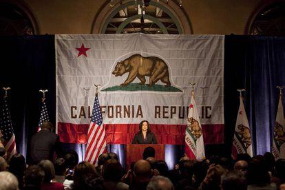 Tras la elección de fiscal general de California, el 30 de noviembre de 2010.  Fue la primera mujer y la primera persona negra en este puesto