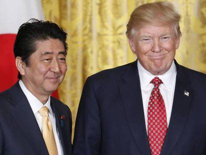 El presidente de EE UU, Donald Trump, y el primer ministro japonés, Shinzo Abe