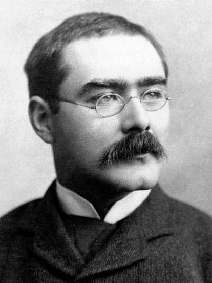 El escritor Rudyard Kipling, hacia 1915.