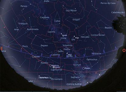 Mapa del cielo visible desde una latitud 40º N el 15 de septiembre de 2009 a primera hora de la noche.