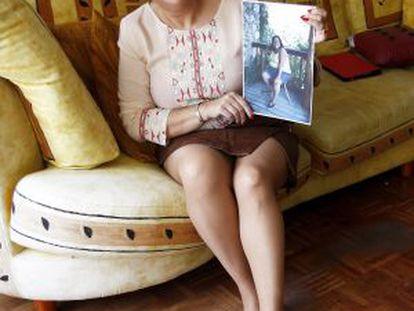 Pilar Mediero, en su piso de Alcorcón, tras perder 55 kilos.