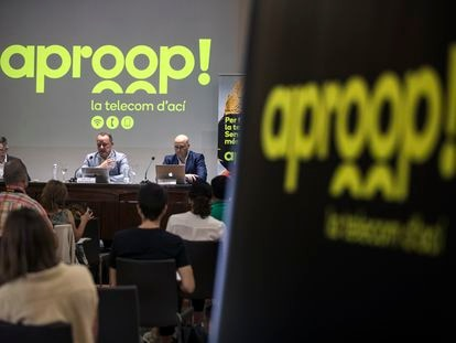Presentación de Aproop, en el Ateneo de Valencia, con Octavi Sánchez, en el centro, y Herminio Ruiz, a la derecha.