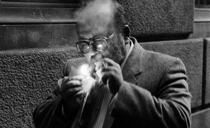 Manuel Vázquez Montalbán, en Barcelona en 1985.