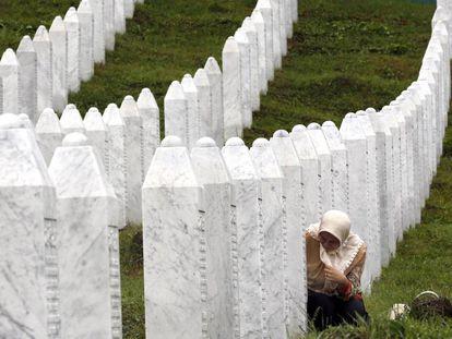 Centro conmemorativo de Potocari, en Bosnia, el pasado día 11, con motivo del 24 aniversario del genocidio de Srebrenica.
