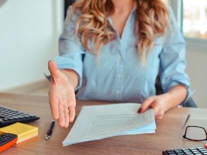 Antes de aceptar un puesto de trabajo conviene preguntar por los factores laborales que pueden interferir en la vida personal y familiar.