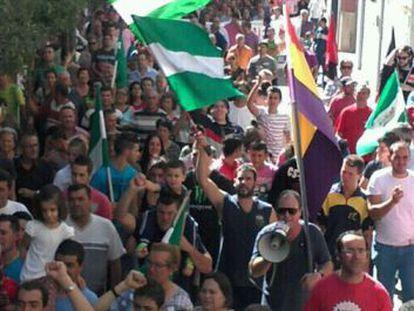 Una marcha recorre las calles de Jódar.