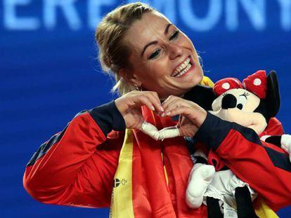 Valentín festejando en lo más alto del podio mundial.