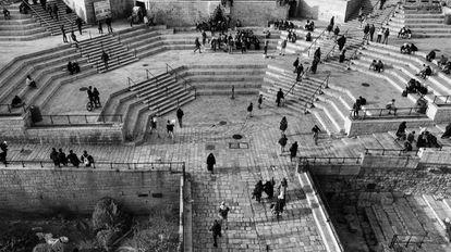 Entrada a la Ciudad Vieja por la puerta de Damasco (Bab al Amud para los palestinos). Situada en el noroeste de la población, es el principal acceso al barrio musulmán.