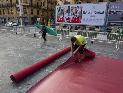 Comienzan los preparativos para el Festival de Cine de San Sebastián.