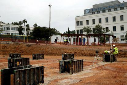 Obras del hospital que se está construyendo en el parque sanitario Pere Virgili, en Barcelona.
