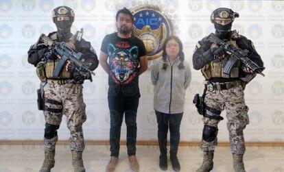 """Los detenidos por el ataque con explosivos en Salamanca identificados como Eduardo """"N"""" y Georgina """"N""""."""