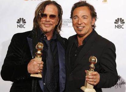 Arriba a la izquierda, Mickey Rourke, con Bruce Springsteen