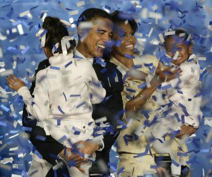 Barack Obama, celebra su victorial electoral en Chicago para el Senado en 2004.