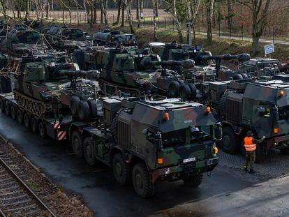 Vehículos del ejército de EE UU durante unas maniobras militares en Baja Sajonia (Alemania), en febrero de 2020.