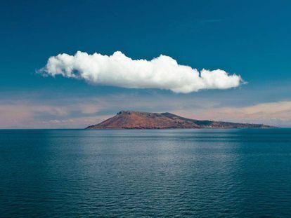 Vista de la isla Amantani, en la parte peruana del lago Titicaca