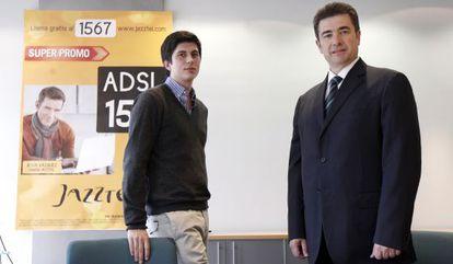 El emprendedor Javier Agüera con el consejero delegado de Jazztel, José Miguel García