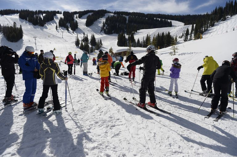Un grupo de turistas en Vail, Colorado