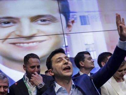 Volodímir Zelenski el domingo por a noche en su cuartel electoral, en Kiev. En vídeo, así es el nuevo presidente de Ucrania.