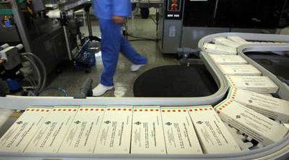 Producción de Tamiflu en el Centro Militar de Farmacia de Burgos.